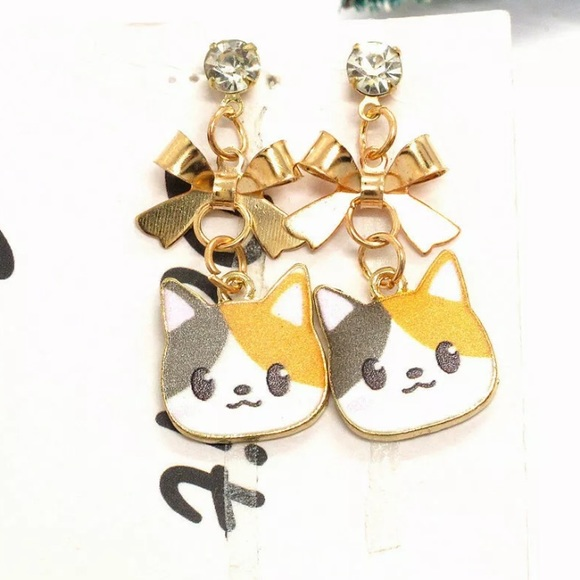 Jewelry - NWT•Calico Cat/Gold Bow dangle earrings w/crystal